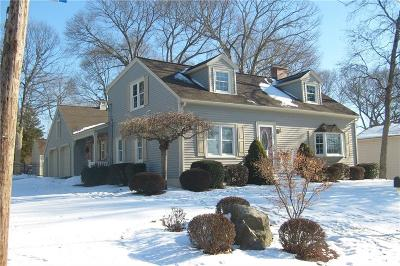 Cumberland Single Family Home Act Und Contract: 65 Garvin St