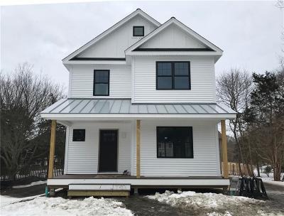 Jamestown Single Family Home Act Und Contract: 8 Mast St