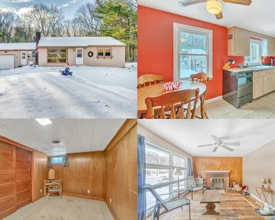Johnston Single Family Home For Sale: 10 Bigelow Rd