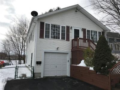 Woonsocket Single Family Home For Sale: 206 Chapel St
