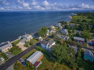 North Kingstown Single Family Home For Sale: 50 Narragansett St