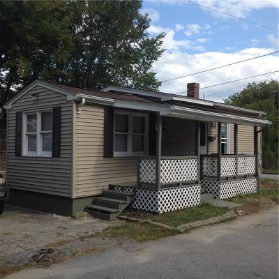 Woonsocket Single Family Home For Sale: 141 Chestnut St