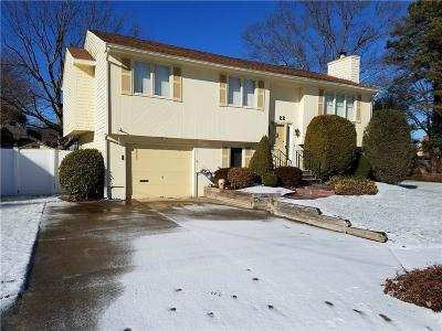 Cranston Single Family Home For Sale: 22 Chaple Dr
