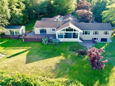 Tiverton Single Family Home For Sale: 396 Nanaquaket Rd