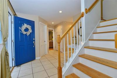 Woonsocket Single Family Home For Sale: 208 Gauthier Dr