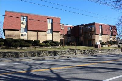 Warwick Condo/Townhouse Act Und Contract: 4162 Post Rd, Unit#1 #1