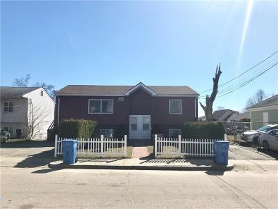 Cranston Multi Family Home For Sale: 483 - 485 Farmington Av