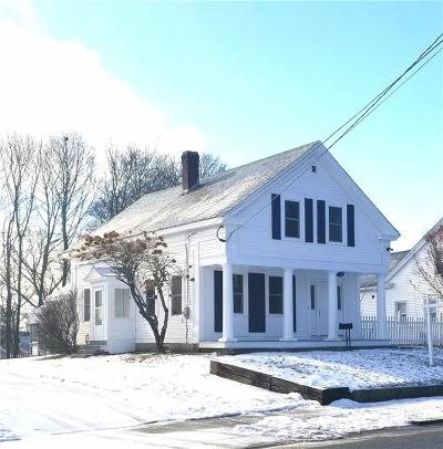 Woonsocket Single Family Home For Sale: 312 Blackstone St