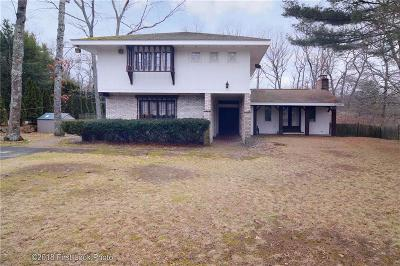 Johnston Single Family Home For Sale: 18 Bishop Hill Rd