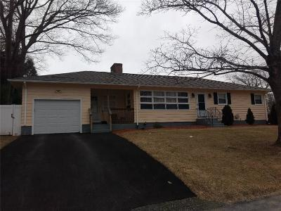 Cranston Single Family Home For Sale: 12 Algonquin Trl
