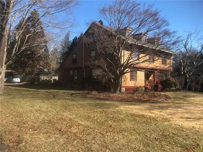 South Kingstown Single Family Home Act Und Contract: 33 Dockray St