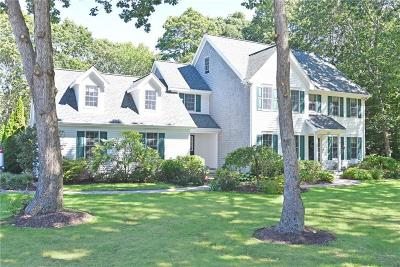 North Kingstown Single Family Home For Sale: 102 Douglas Dr