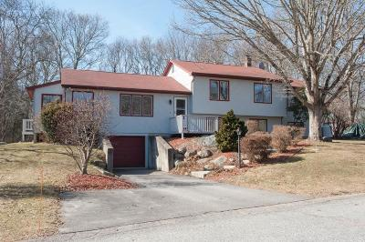 South Kingstown Single Family Home For Sale: 50 Gentian Dr