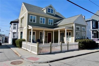 Newport Single Family Home For Sale: 379 Spring St