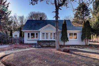 Johnston Single Family Home For Sale: 100 Hopkins Av