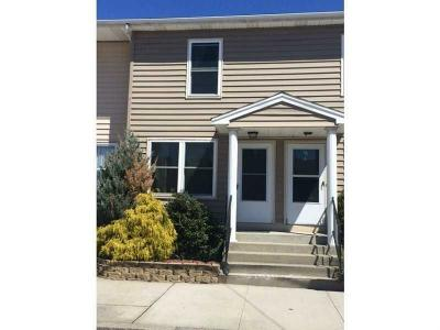 Providence RI Condo/Townhouse For Sale: $174,900