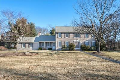 East Greenwich Single Family Home For Sale: 260 Chestnut Dr
