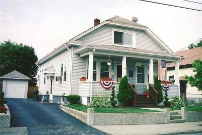 Pawtucket Single Family Home For Sale: 114 Chandler Av
