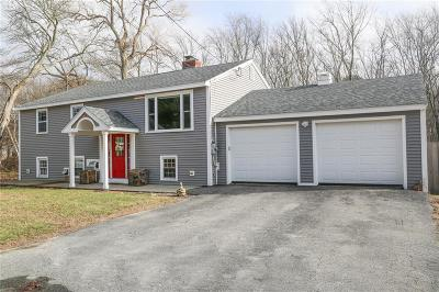 North Kingstown Single Family Home For Sale: 57 Ann Lane