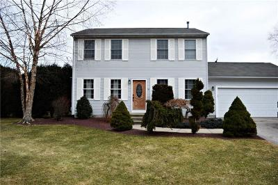 Cranston Single Family Home For Sale: 16 High Meadow Ct