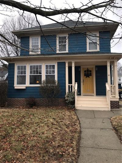 Providence RI Single Family Home For Sale: $212,000