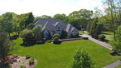 North Kingstown Single Family Home For Sale: 41 Crest Field Lane