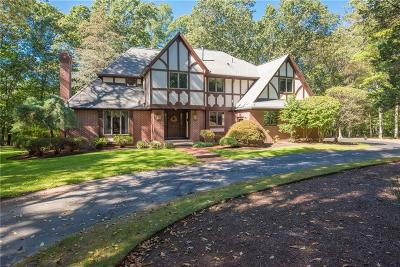 North Kingstown Single Family Home For Sale: 450 Fletcher Rd