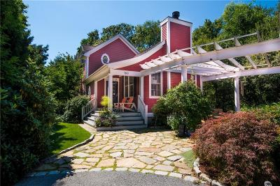 East Greenwich Single Family Home Act Und Contract: 160 Middle Rd