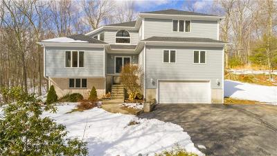 Glocester Single Family Home For Sale: 100 Old Quarry Rd