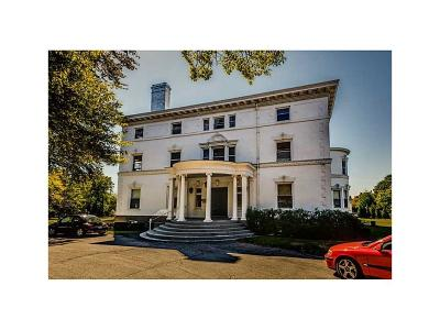 Newport Condo/Townhouse For Sale: 519 Bellevue Av, Unit#2n #2N