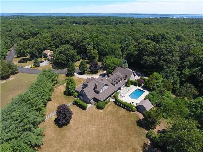 North Kingstown Single Family Home For Sale: 275 Chimney Rock Dr