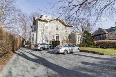 Newport Condo/Townhouse For Sale: 4 Red Cross Av, Unit#4 #4