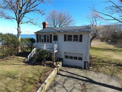 North Kingstown Single Family Home For Sale: 205 Earle Dr