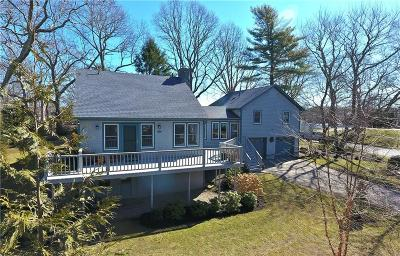 South Kingstown Single Family Home For Sale: 304 Winchester Dr