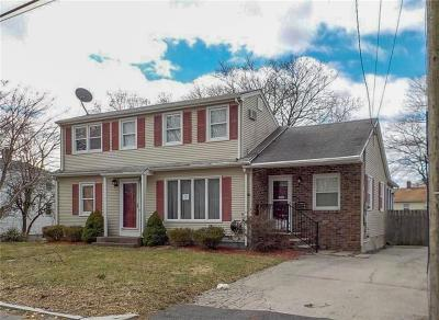 East Providence Single Family Home For Sale: 252 Thatcher St