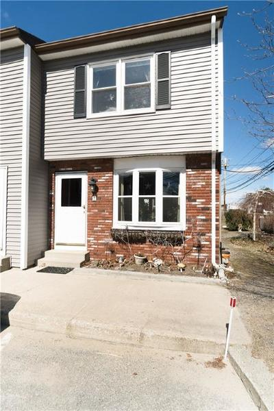 Pawtucket Condo/Townhouse For Sale: 300 York Av, Unit#1 #1