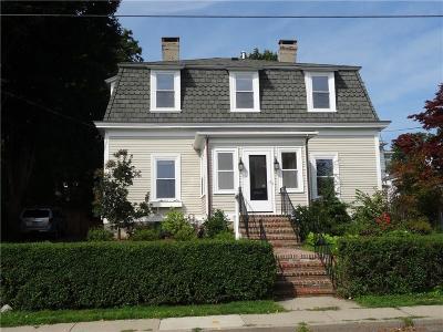 Newport Single Family Home For Sale: 135 Eustis Av