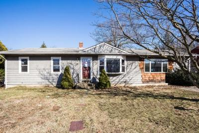 Single Family Home For Sale: 33 Cochran St