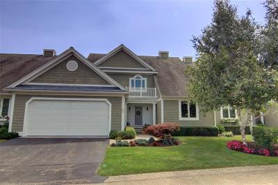 North Kingstown Condo/Townhouse For Sale: 42 Overlook Dr