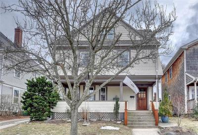 Cranston Single Family Home For Sale: 58 Bluff Av