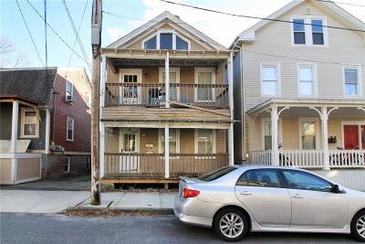 Newport Multi Family Home For Sale: 14 Newport Av