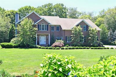 East Greenwich Single Family Home For Sale: 20 Wood Duck Ct