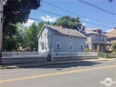 Providence RI Multi Family Home For Sale: $189,900