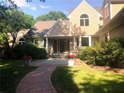 East Greenwich Single Family Home For Sale: 5 Sparrow Lane