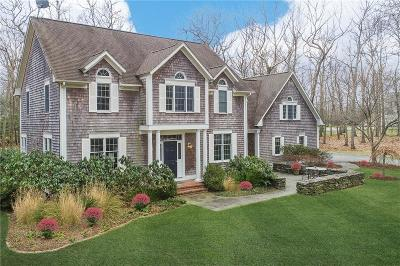 East Greenwich Single Family Home For Sale: 50 Tipping Rock Dr