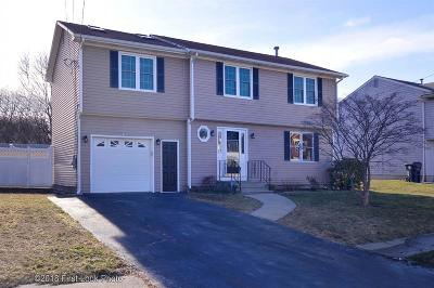 Warwick Single Family Home For Sale: 215 Wellspring Dr