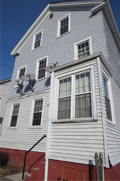 Newport Multi Family Home For Sale: 21 Hall Av