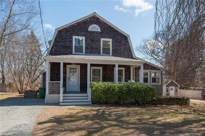 Jamestown Single Family Home For Sale: 56 Grinnell St