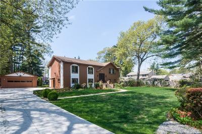 Coventry Single Family Home For Sale: 8 Marion Dr