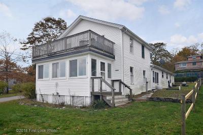 Portsmouth Single Family Home For Sale: 0726 Narragansett Av